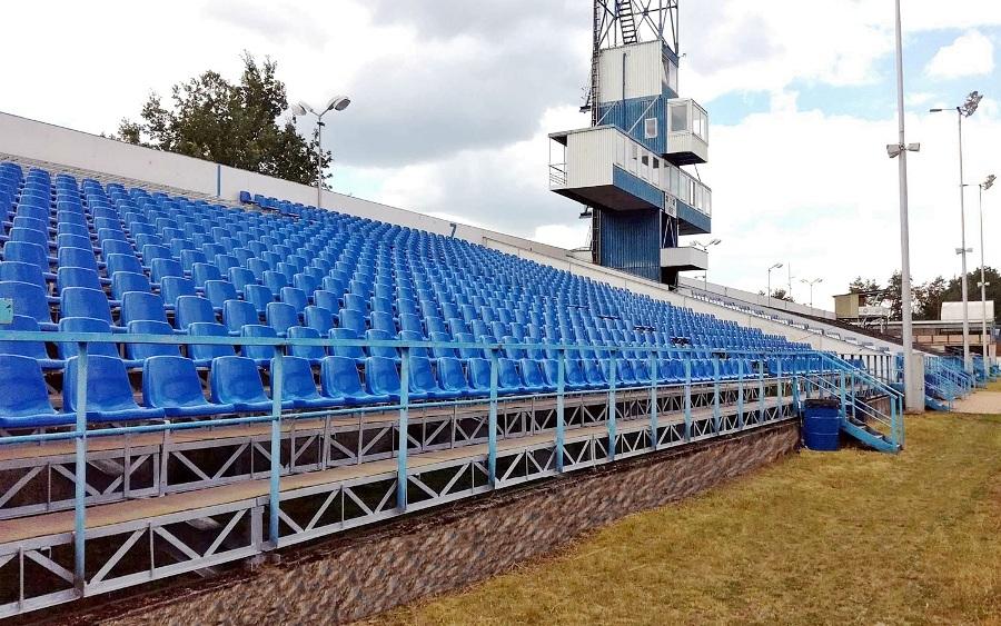krzesełka stadionowe 20200710